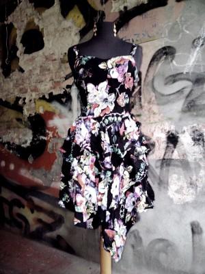 noch mehr Kleider, Röcke, Kleider :-) We love Second Hand!